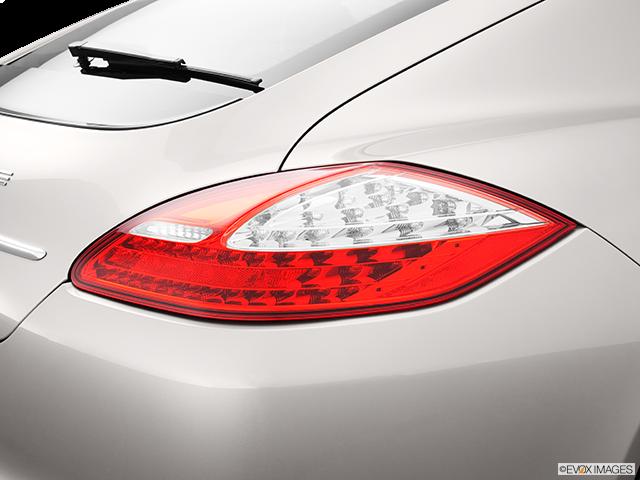 2013 Porsche Panamera Passenger Side Taillight