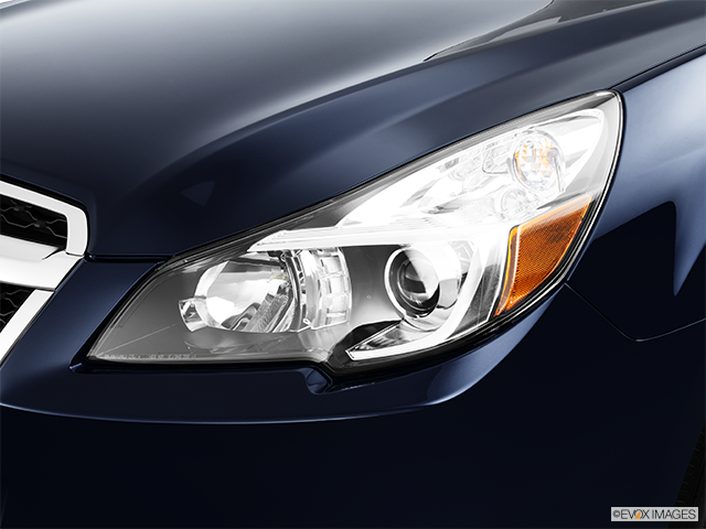 2013 Subaru Legacy Drivers Side Headlight