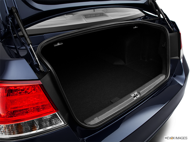 2013 Subaru Legacy Trunk open