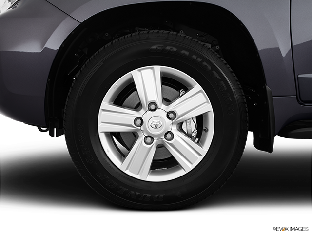 2013 Toyota Land Cruiser Front Drivers side wheel at profile