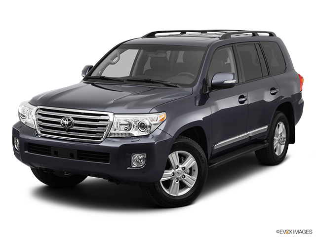 2013 Toyota Land Cruiser Front angle view