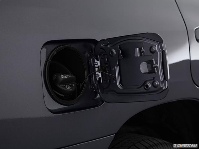 2013 Toyota Land Cruiser Gas cap open
