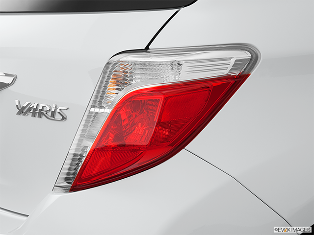 2013 Toyota Yaris Passenger Side Taillight
