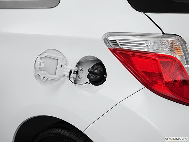 2013 Toyota Yaris Gas cap open