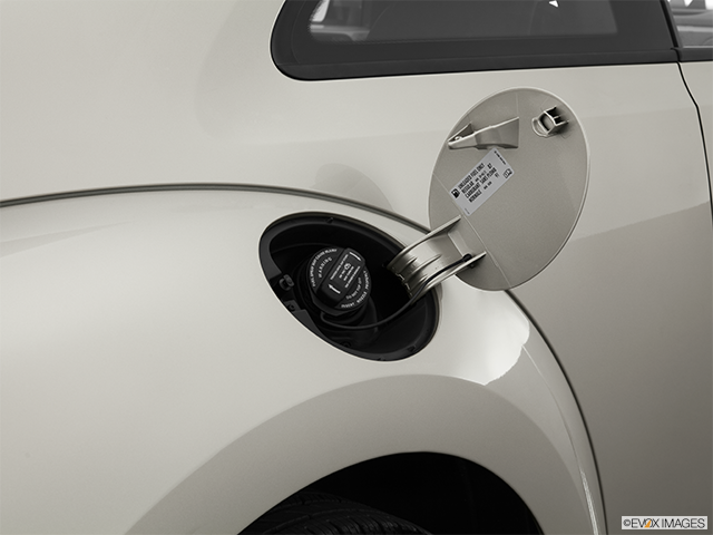 2013 Volkswagen Beetle Gas cap open