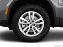 2013 Volkswagen Tiguan Front Drivers side wheel at profile