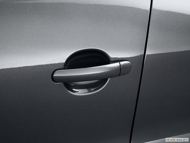 2013 Volkswagen Tiguan Drivers Side Door handle