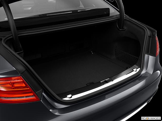 2014 Audi S8 Trunk open