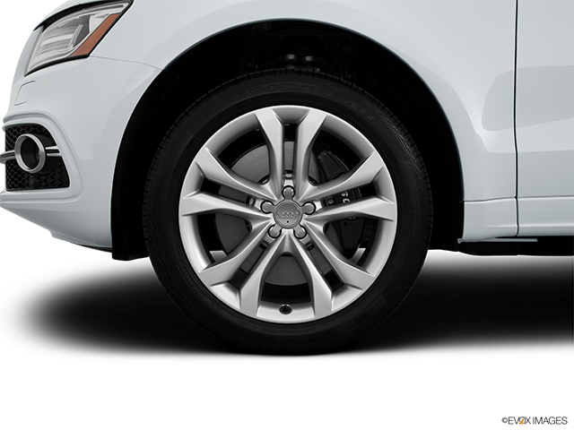 2014 Audi SQ5 Front Drivers side wheel at profile