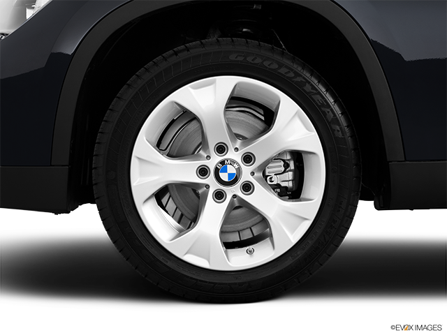 2014 BMW X1 Front Drivers side wheel at profile
