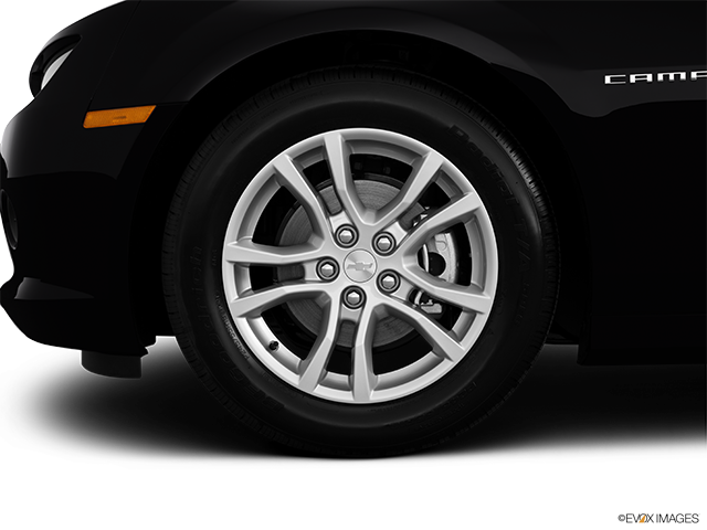 2014 Chevrolet Camaro Front Drivers side wheel at profile