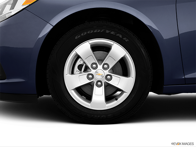 2014 Chevrolet Malibu Front Drivers side wheel at profile