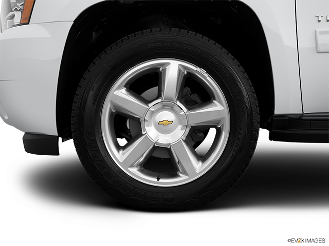 2014 Chevrolet Tahoe Front Drivers side wheel at profile