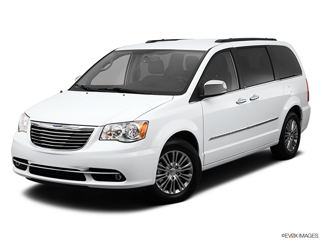 2014 Chrysler Town and Country Front angle view