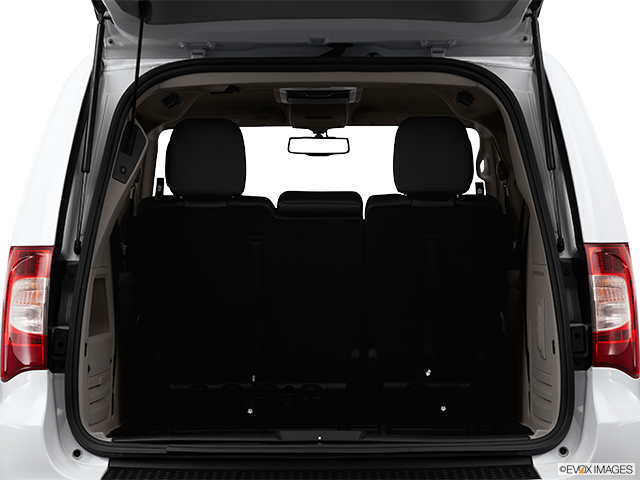 2014 Chrysler Town and Country Trunk open