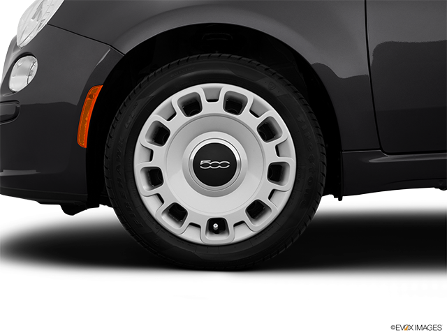 2014 FIAT 500 Front Drivers side wheel at profile