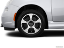 2014 FIAT 500e Front Drivers side wheel at profile