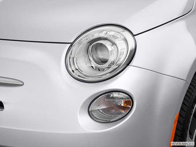 2014 FIAT 500e Drivers Side Headlight