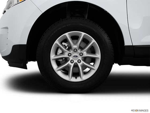 2014 Ford Edge Front Drivers side wheel at profile