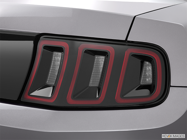 2014 Ford Mustang Passenger Side Taillight