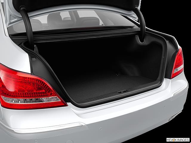 2014 Hyundai Equus Trunk open
