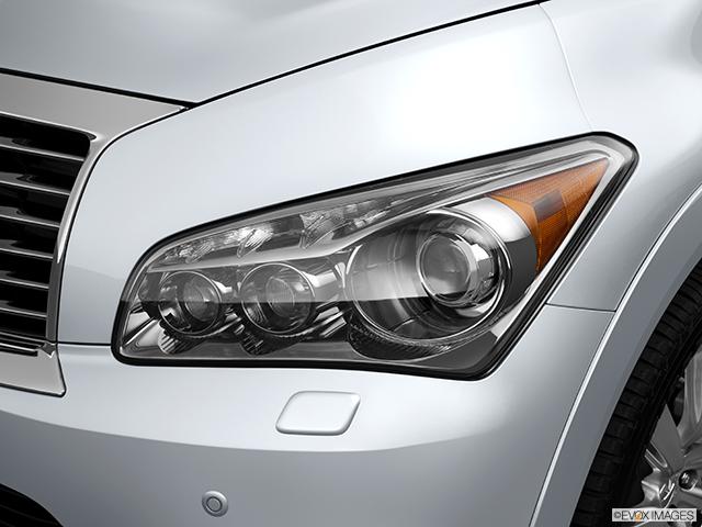 2014 INFINITI QX80 Drivers Side Headlight