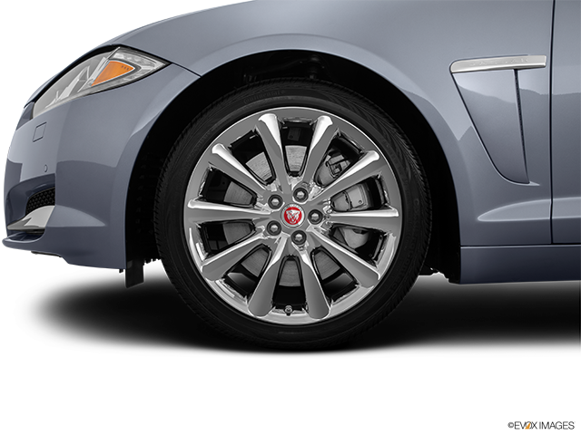 2014 Jaguar XF Front Drivers side wheel at profile