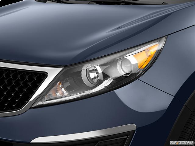 2014 Kia Sportage Drivers Side Headlight