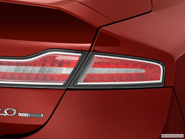 2014 Lincoln MKZ Passenger Side Taillight