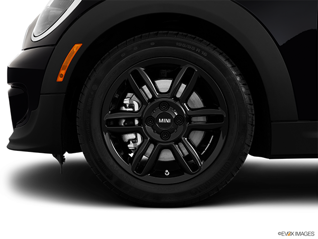 2014 MINI Roadster Front Drivers side wheel at profile