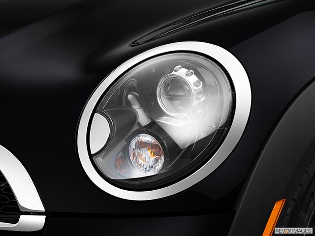 2014 MINI Roadster Drivers Side Headlight