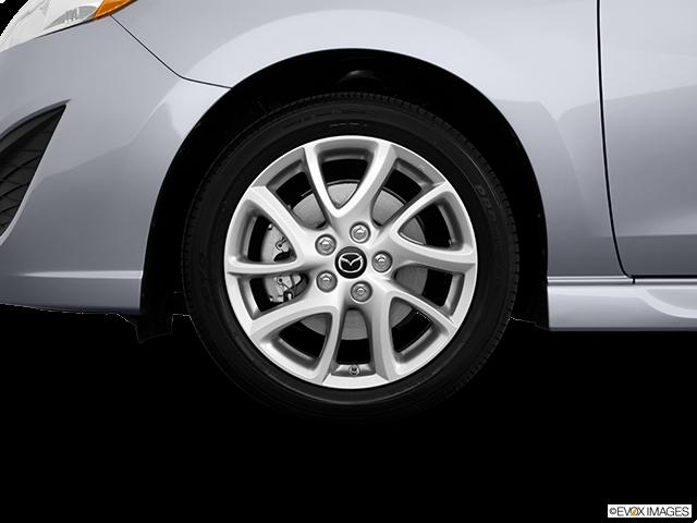 2014 Mazda Mazda5 Front Drivers side wheel at profile
