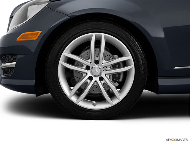 2014 Mercedes-Benz C-Class Front Drivers side wheel at profile