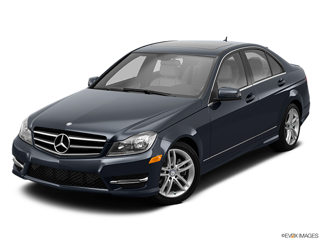 2014 Mercedes-Benz C-Class Front angle view