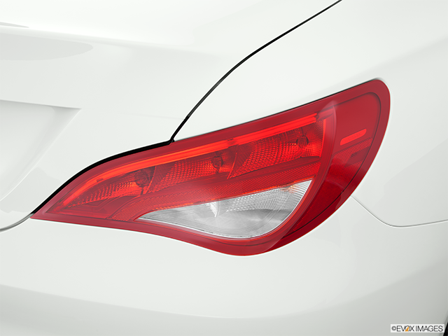 2014 Mercedes-Benz CLA Passenger Side Taillight
