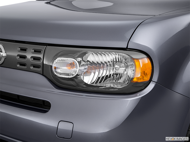 2014 Nissan cube Drivers Side Headlight
