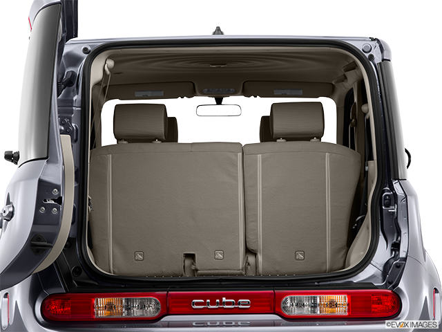 2014 Nissan cube Trunk open