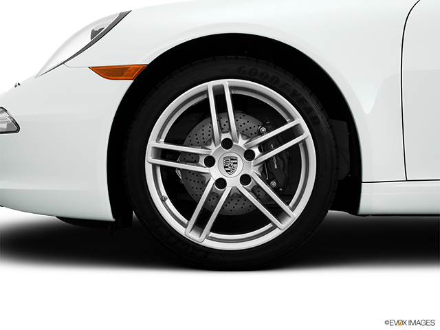 2014 Porsche 911 Front Drivers side wheel at profile
