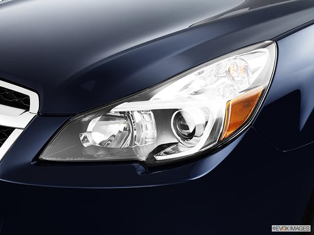 2014 Subaru Legacy Drivers Side Headlight
