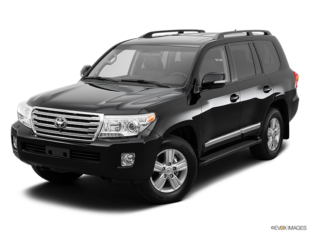 2014 Toyota Land Cruiser Front angle view