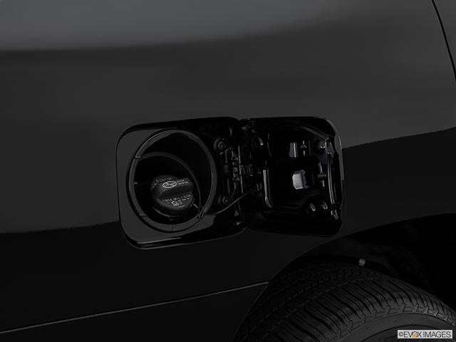2014 Toyota Land Cruiser Gas cap open