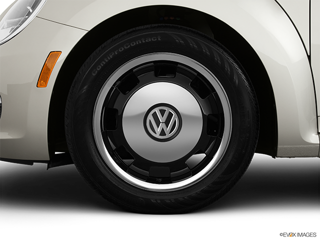 2014 Volkswagen Beetle Front Drivers side wheel at profile