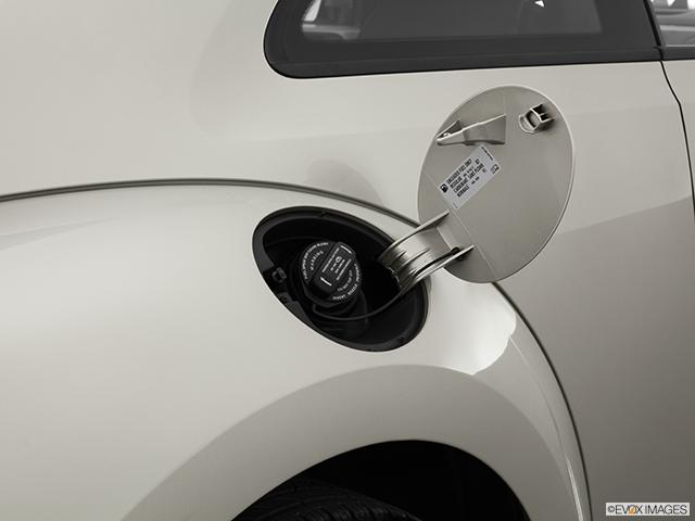 2014 Volkswagen Beetle Gas cap open