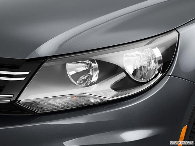 2014 Volkswagen Tiguan Drivers Side Headlight