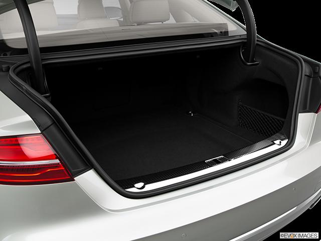 2015 Audi A8 Trunk open