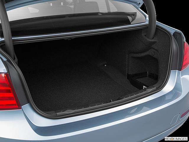 2015 BMW 3 Series Trunk open