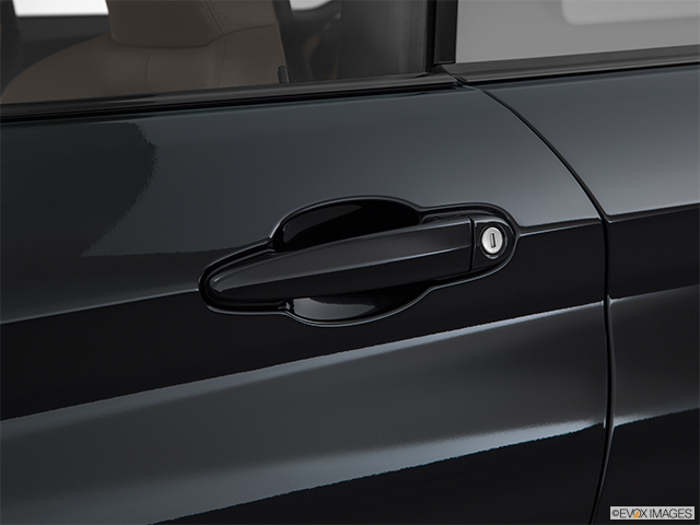 2015 BMW M4 Drivers Side Door handle