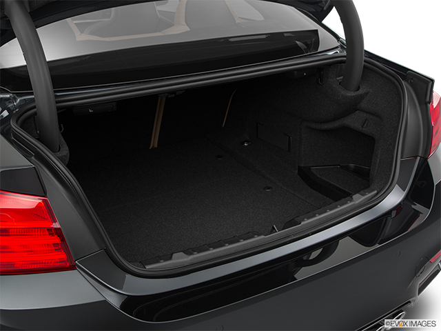2015 BMW M4 Trunk open