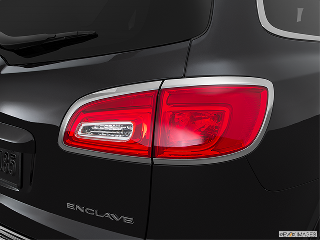 2015 Buick Enclave Passenger Side Taillight