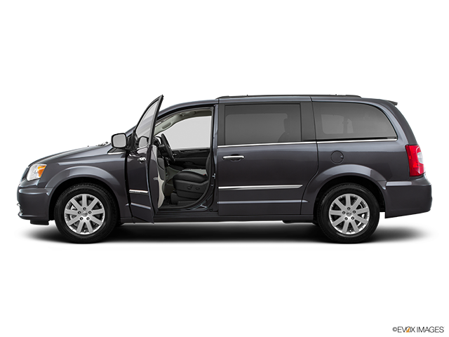 2015 Chrysler Town and Country Driver's side profile with drivers side door open